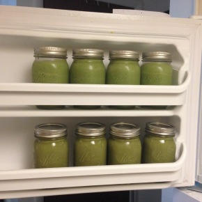 How to Make Green Smoothies in Bulk